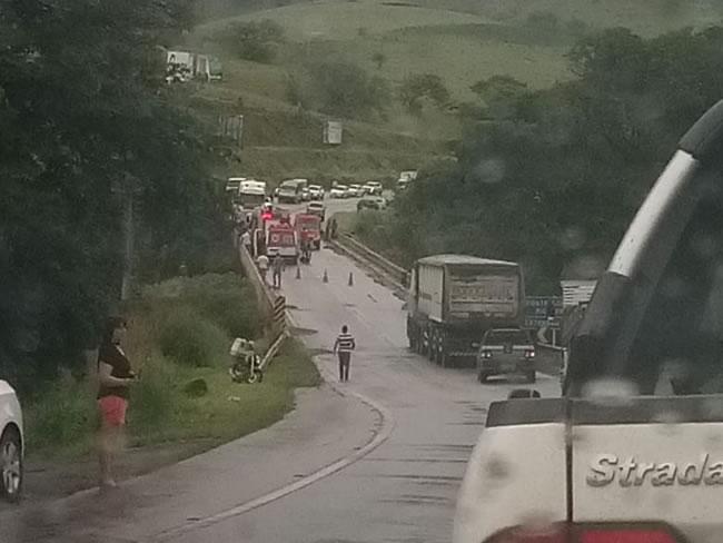 URGENTE: acidente na Ponte dos Buenos entre Varginha e Elói Mendes, carro teria caído da ponte - Varginha Online