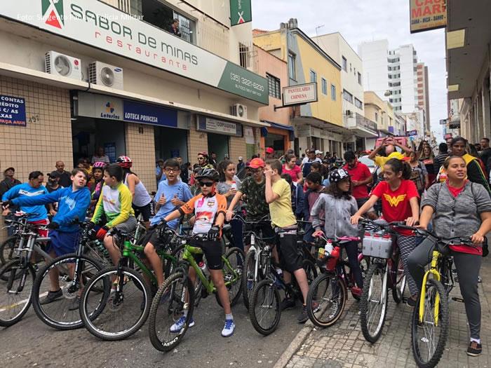 Passeio ciclístico ''Pedalando contra as drogas''